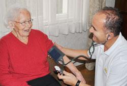 Ambulanter Pflegedienst München Blutdruckmessung